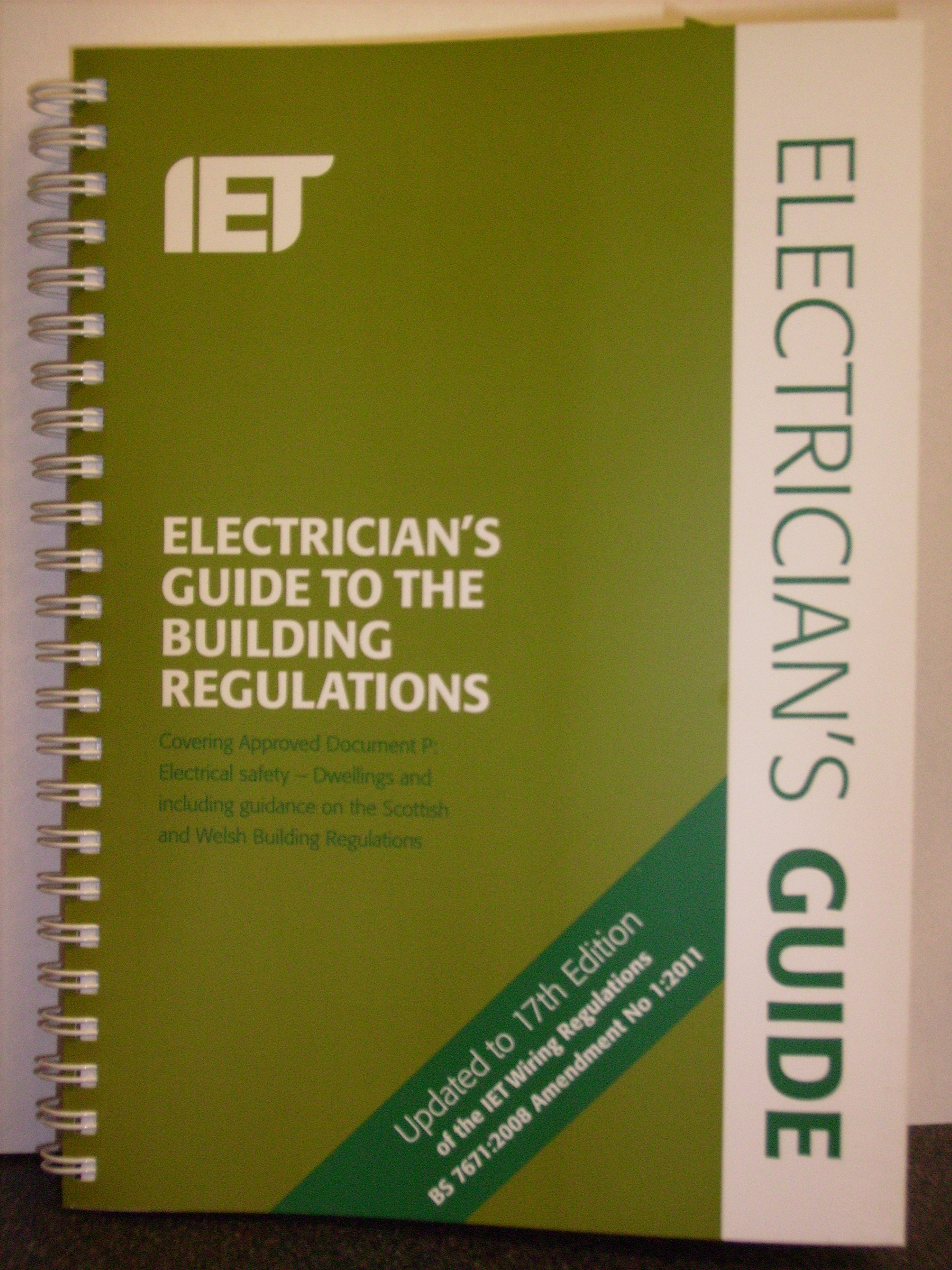 Iet On Site Guide 17th Edition The Complete Golf Club Fitting Plan Iee Wiring Regs Fully Up To Date With Latest Amendments Of Regulations