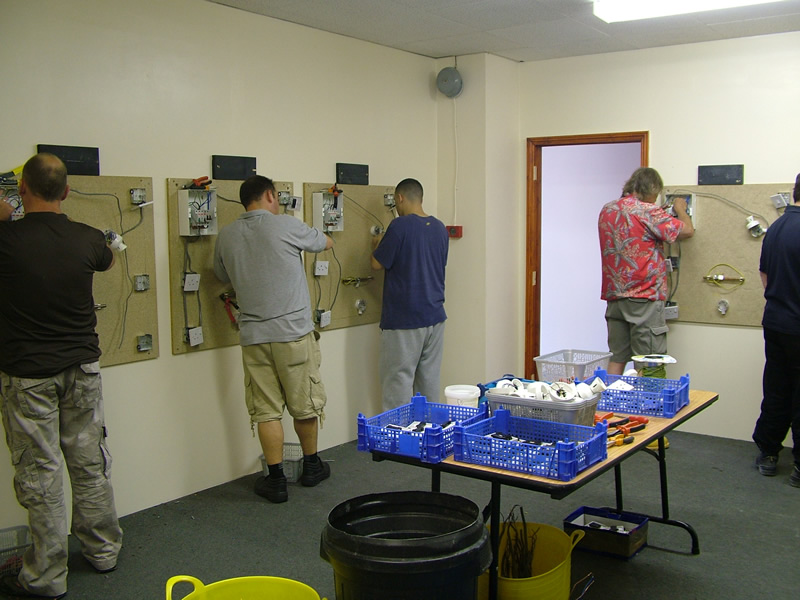Electrical Courses for Beginners – Basic Electrics Training | The ...
