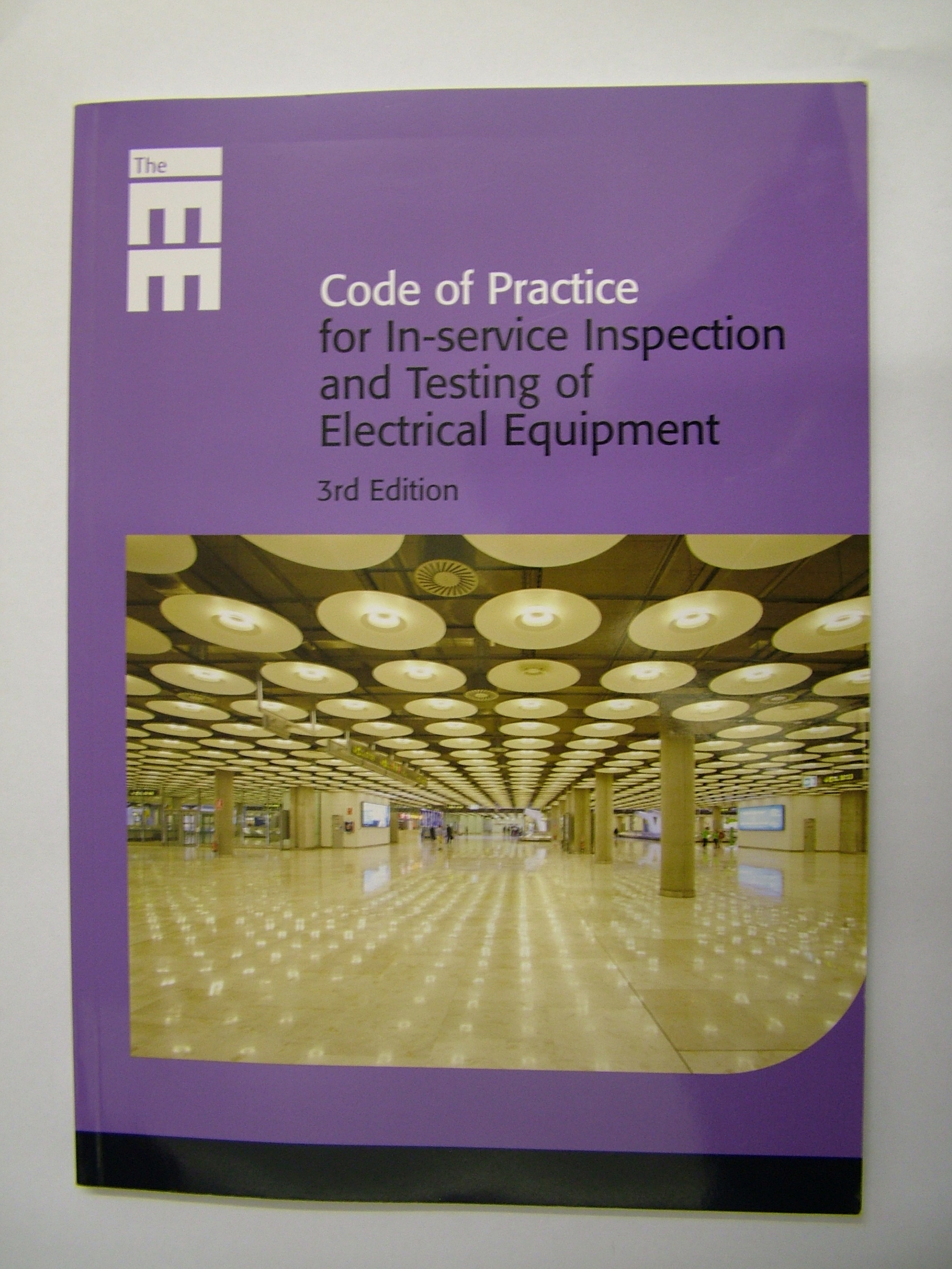 Pat Testing Courses Training 2377 The Builder 17 Edition Wiring Regulations Book Iee Code Of Practice For In Service Inspection And Electrical Equipment 3rd Isbn 978 0 86341 833 4